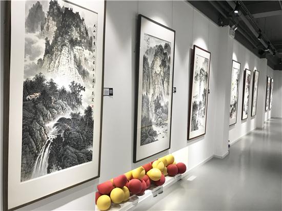 """""""气壮山河・笔墨丹青""""名家书画作品展在京举行"""