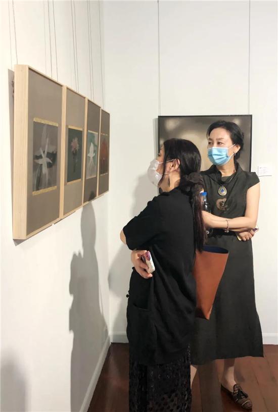 素纨密语- - 当代工笔女画家作品邀请展在深圳美术馆开幕