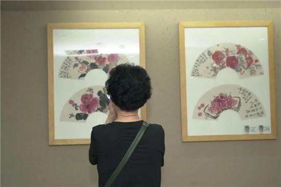 我们的节日・端午有花――荷风露香-王蔚兰彩墨作品展在珠海古元美术馆开幕
